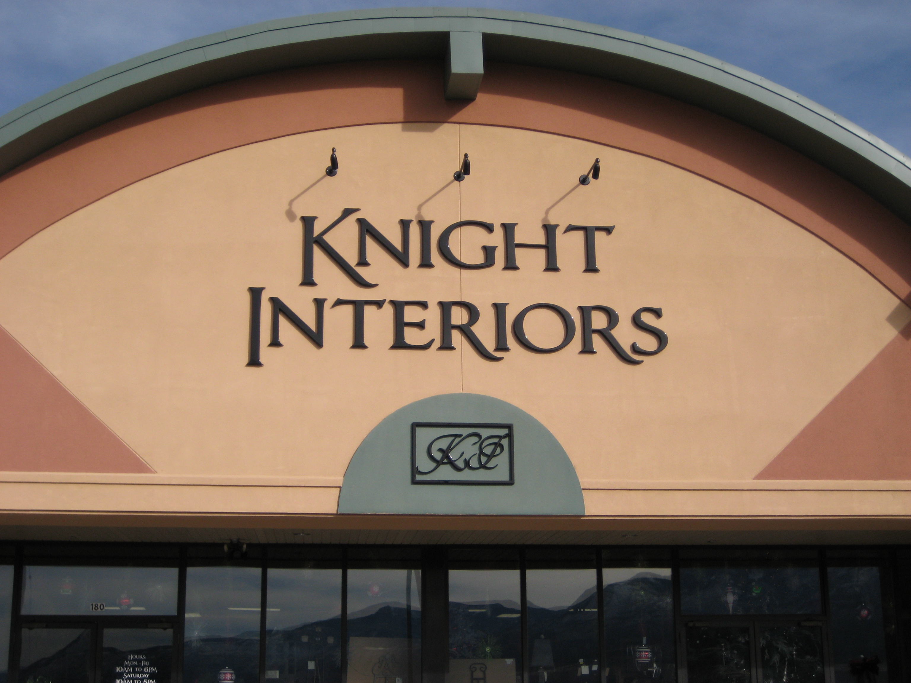 knight interiors sign central inc
